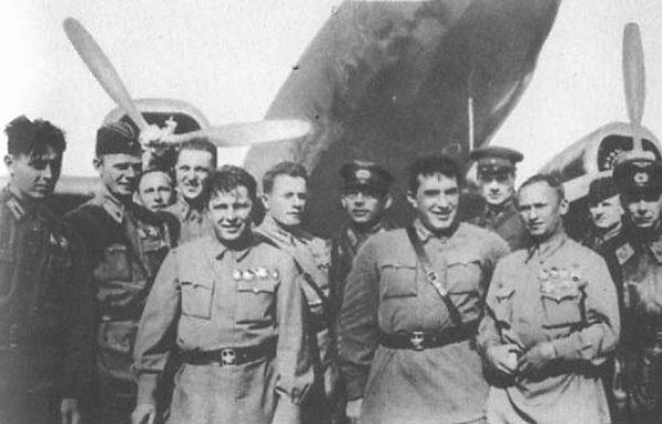 בן החייט היהודי שהפך למפקד חיל האוויר הסובייטי במלחמת העולם השנייה