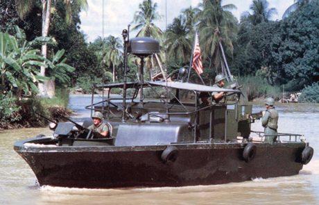 הימים והלילות של סגן ג'ון קרי בויטנאם