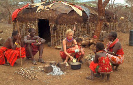 לחיות עם בן שבט המסאי בקניה: סיפור החיים של קורין הופמן השוויצרית