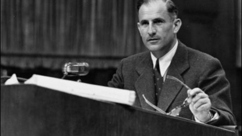 """ד""""ר רוברט קמפנר , היהודי הנמלט, והנאצים במשפטי נירנברג"""